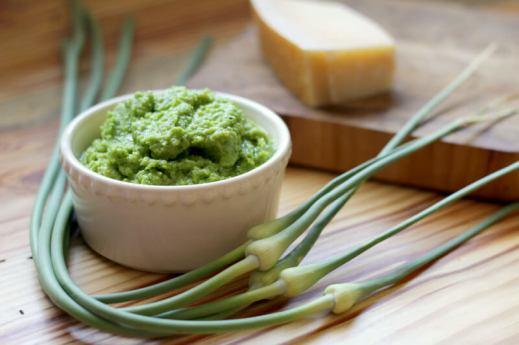 garlic-scape-pesto-recipe.jpg